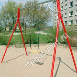 Качели на металлических стойках